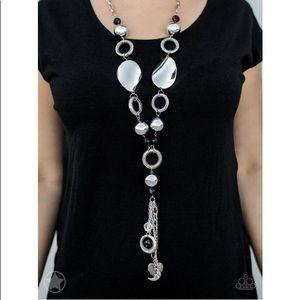Jewelry - ♠️Beautiful Long Length Black & Silver Necklace♠️